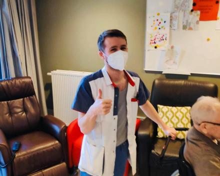Rotary Geel schonk 1000 gespecialiseerde mondmaskers aan thuisverpleging en woonzorcentra